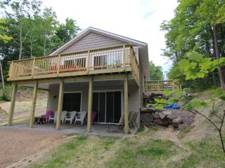 Nice House with Deck and Dishwasher - Gleason vacation rentals