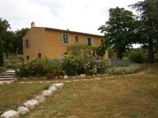 4 bedroom House with Private Outdoor Pool in Grimaud - Grimaud vacation rentals