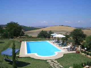 Nice House in Montenero d'Orcia with Private Outdoor Pool, sleeps 15 - Montenero d'Orcia vacation rentals