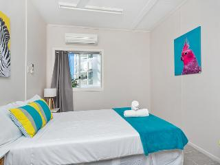 Inner City Executive Rooms - Room 2 - Share Accommodation Property - Cairns vacation rentals