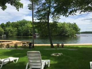 MACAW - LUXURY LAKEFRONT FAMILY COTTAGE - Bobcaygeon vacation rentals