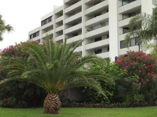 Hudson Beach Condo - Hudson vacation rentals