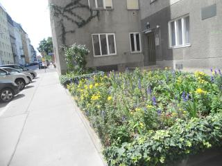 Few steps from Rennweg station - Vienna vacation rentals