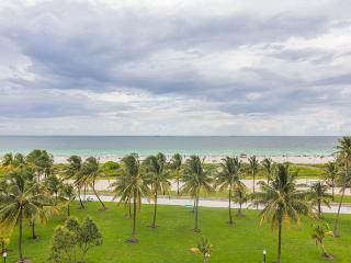 Great Deal~ Magnificent 3 BR Two Story Townhouse On Ocean Drive W/Amazing Views 1NL3Fa - Miami Beach vacation rentals