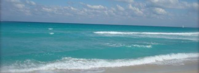 Signature Two Bedroom Two Bath Suite with Balcony 1AX2FZC - Image 1 - Miami Beach - rentals