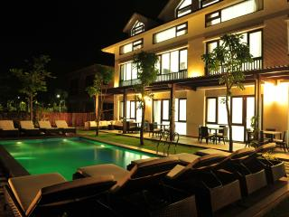 Spacious Villa with Internet Access and A/C - Duong To vacation rentals