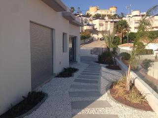 A New modern villa ( 2015 ) next to golfcourse - Quesada vacation rentals