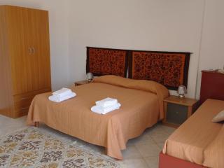 Triple room sea vewing panoramic, historic center - Mazara del Vallo vacation rentals