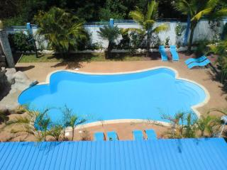 Adorable 8 bedroom Villa in Calodyne with Internet Access - Calodyne vacation rentals