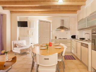 Cozy 2 bedroom House in Kolymbari with Internet Access - Kolymbari vacation rentals