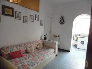 2 bedroom Townhouse with Short Breaks Allowed in Gaeta - Gaeta vacation rentals