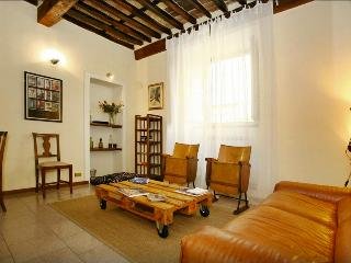 Charming 2 bedroom Townhouse in Lucca - Lucca vacation rentals