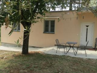Appartamento Nik a 100 m dalla spiaggia - Malinska vacation rentals