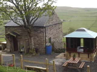 CROFTERS COTTAGE With Hottub Cosy Stove/oven Lakes - Alston vacation rentals