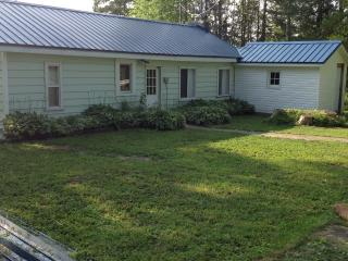 Lake Huron waterfront cottage, In Red Bay - Bruce Peninsula vacation rentals