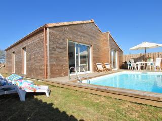 Villa Silène, confort, calme et piscine chauffée - Talmont Saint Hilaire vacation rentals