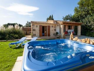 Perfect 1 bedroom House in Pollenca - Pollenca vacation rentals
