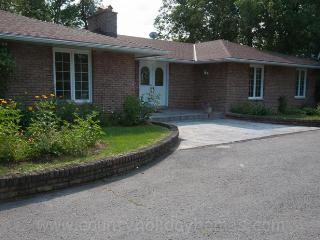 Bella Vista Lakehouse - Prince Edward County vacation rentals