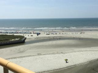 Stunning Myrtle Beach Oceanfront Condo at Ocean Creek South Tower - Myrtle Beach vacation rentals
