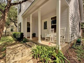 3BR/2BA Green Home, Minutes to Lake Travis, Pets Welcome, Sleeps 6 - Buffalo Gap vacation rentals