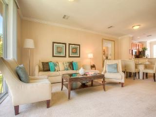 Upscale townhome with three levels of privacy, luxury, and comfort! - Orlando vacation rentals