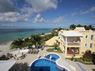 Oceanfront with pool 3 bedroom condo in Paradise Condos (PC2A) - Cozumel vacation rentals