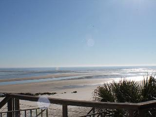 Pure Paradise, Less than 20 Steps to beach, Beach Front, WIFI, Flat Screens - Crescent Beach vacation rentals