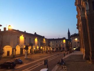 BB Le Stanze del Cardinale De Luxe Room 3A - Pavia vacation rentals