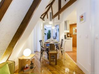 Charming Condo with Internet Access and A/C - Lisboa vacation rentals