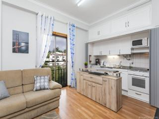 Nice Condo with Internet Access and Washing Machine - Estoril vacation rentals