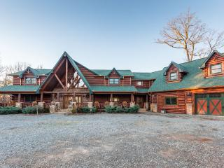 Perfect property for Weddings & Corporate Retreats - Morganton vacation rentals