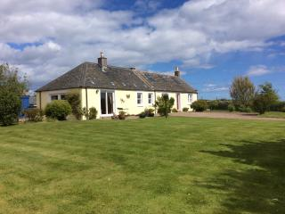 Bright 3 bedroom Cottage in Stonehaven - Stonehaven vacation rentals