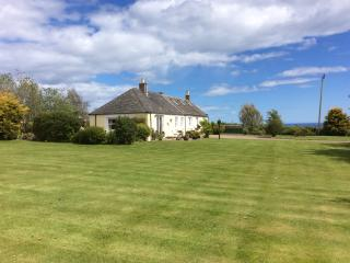 Bright 3 bedroom Cottage in Johnshaven with Internet Access - Johnshaven vacation rentals