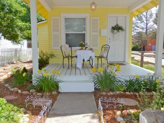 PARISIAN Victorian Cottage ROMANTIC Gazebo/Gardens - Colorado Springs vacation rentals