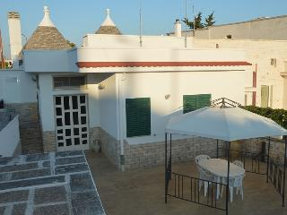 Beautiful 2 bedroom Trullo in Casalini di Cisternino - Casalini di Cisternino vacation rentals