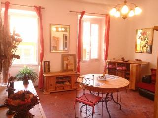 Le Volti, typical apartment, quiet - Villefranche-sur-Mer vacation rentals