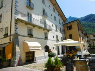 "Casa ""la romantica"" Chiavenna - Chiavenna vacation rentals"