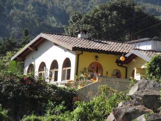 Luna Azul Casita, San Pedro La Laguna. Guatemala - San Pedro La Laguna vacation rentals