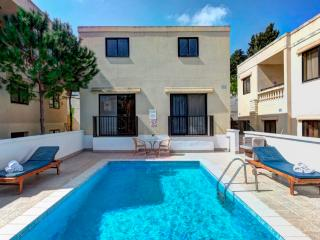 Comfortable Villa with Deck and Internet Access - Mellieha vacation rentals