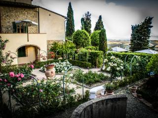 Fabulous farmhouse with gorgeous garden and incredible views of the Siena countryside boasts private pool and terrace - San Gimignano vacation rentals