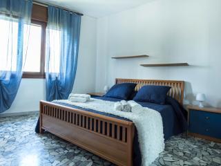 RENT-IT-VENICE Monti House - Mestre vacation rentals