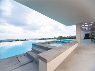 Large 7 bedroom custom home, Private Pool & Spa, Spectacular Ocean views - Kailua-Kona vacation rentals