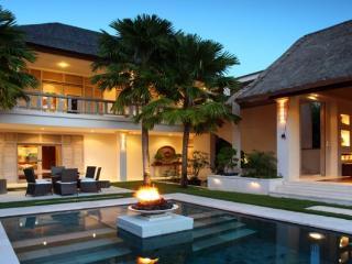 Luxury 4BR Villa in Seminyak, 4 min from the beach - Seminyak vacation rentals