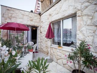 Spacious 1BD Apartment in Kastela - Kastel Luksic vacation rentals