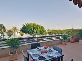 Palma front line with terrace - Palma de Mallorca vacation rentals