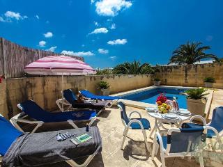 Girardu - Victoria vacation rentals