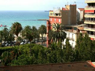 Charming house with sea and Castle view - Alicante vacation rentals
