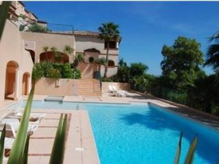 Appartement dans résidence avec piscine F373 - Saint-Maxime vacation rentals