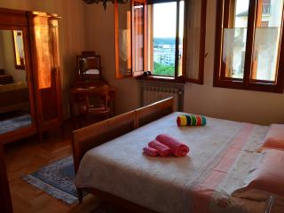 Angelo Rossi B&B - CAMERA DOPPIA - Monfalcone vacation rentals