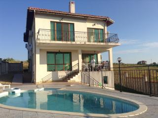 Wonderful Villa with Deck and Internet Access - Balchik vacation rentals